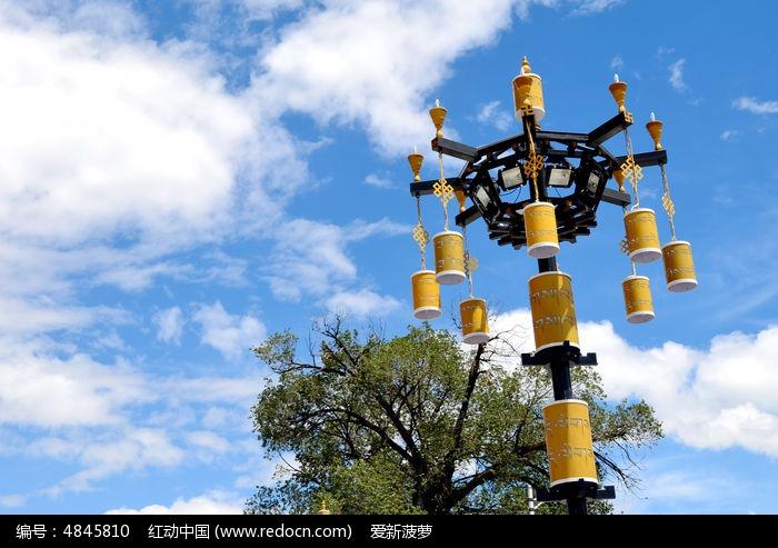 藏族风格的路灯