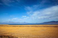 中国新疆赛里木湖秋天