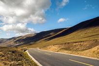 草原上的公路