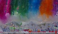 傣历年庆典活动会场的彩色烟火