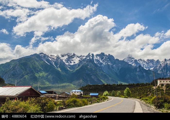 美丽的中国西部公路图片