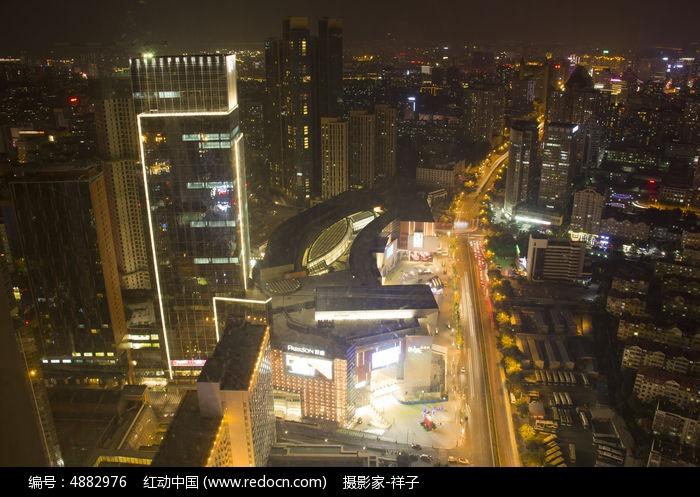 青岛高楼大厦夜景