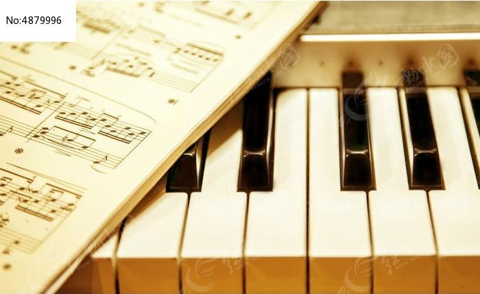 五线谱与钢琴高清图片下载 编号4879996 红动网