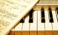 五线谱与钢琴