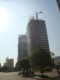 在建的高楼建筑