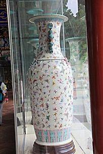 蝴蝶图案花瓶