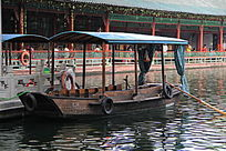 游览小木船