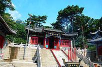 座落在财神庙里的忠义财神殿