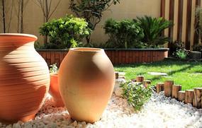 花池陶罐碎石旱景搭配