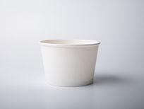 室内拍摄的空白纸杯