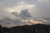 晨起天空乌云