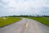 空旷没人的马路