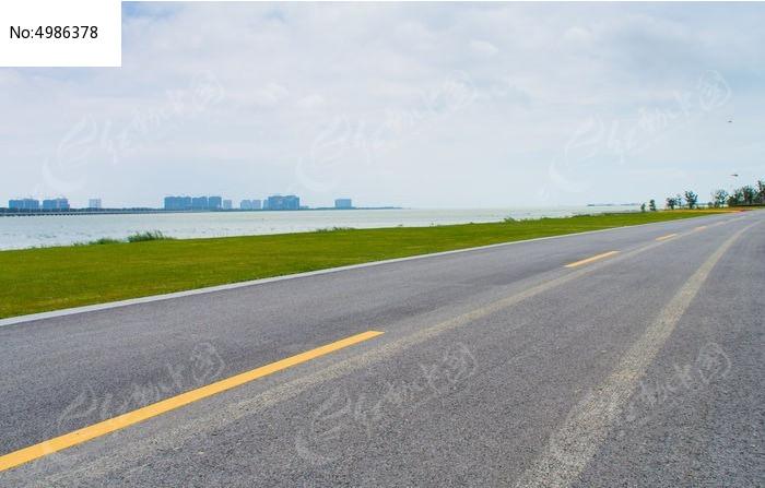 苏州湾太湖边公路图片