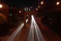 夜间车辆运行轨道