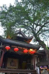 锦里榕树下的戏台