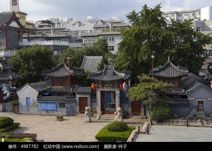 原创摄影图 建筑摄影 教堂寺庙 青岛海云庵风光  请您分享: 素材描述