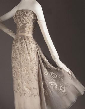时尚蕾丝连衣裙