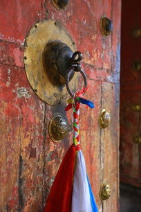 寺庙大门门环