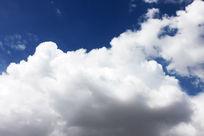 厚重的云朵