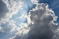 浓厚的云层