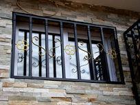 铁窗户花纹雕刻
