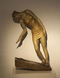 雕塑女人的沉思