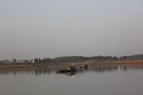 风景—渔船湖泊