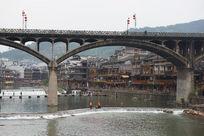 凤凰古城虹桥