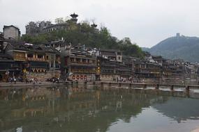 凤凰古城沱江两岸沱江吊脚楼建筑