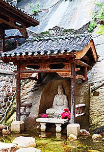 千山龙泉寺的水上观音侧身石像