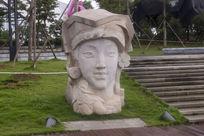 少数民族金花雕像