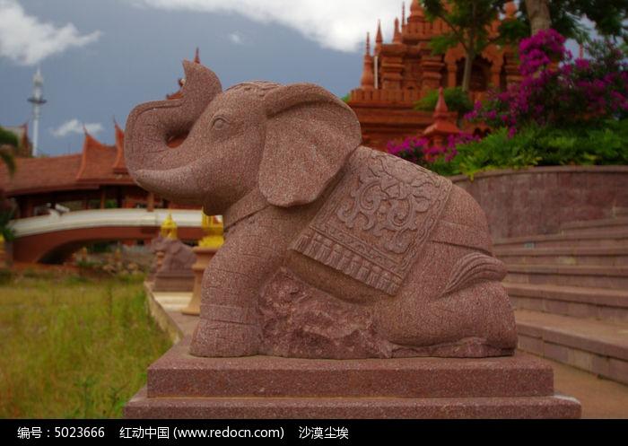 下跪大象石雕商墅园林设计图片
