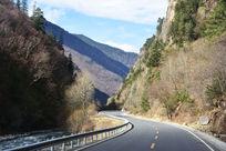 风景如画的山间公路