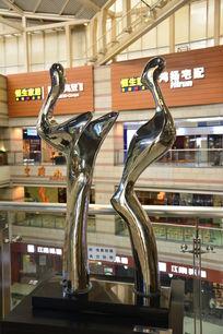 迎拟人拥抱艺术铜像
