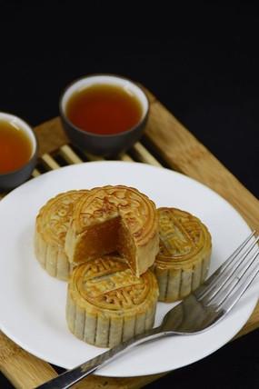 中国传统美食中秋月饼图片