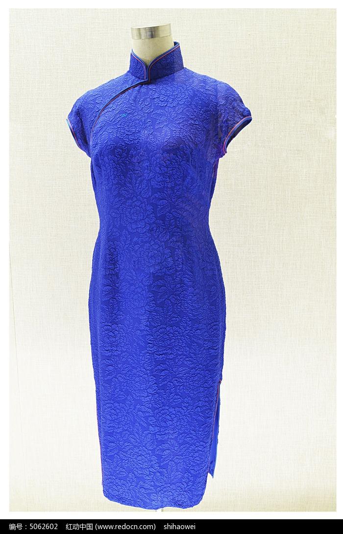 蓝色碎花旗袍图片