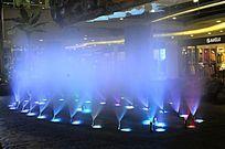 蓝色雾状喷泉