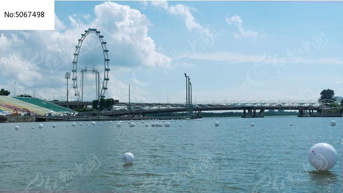 新加坡滨海美景巨型水上摩天轮图片