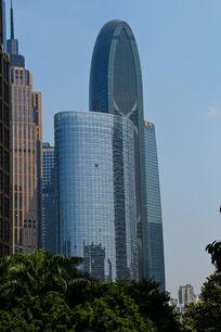 广州珠江城大楼特写
