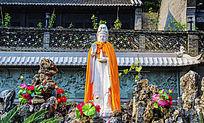 千山中会寺天地楼院内观音雕像与壁画佛像