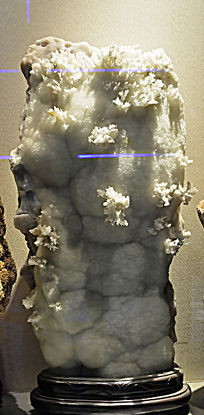 雪花形枝条状水晶