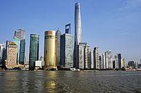 江边林立的都市大厦