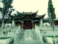 气势恢宏紧闭大门古老的古建筑少林寺