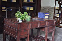 十笏园馆藏文物之木质书桌