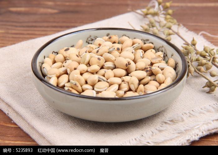炒白扁豆中药摄影图片