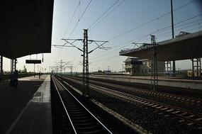 火车线交错的铁路