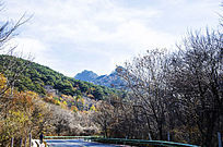 上石桥通往千山香岩寺的公路