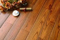 黄色系实木地板铺装图