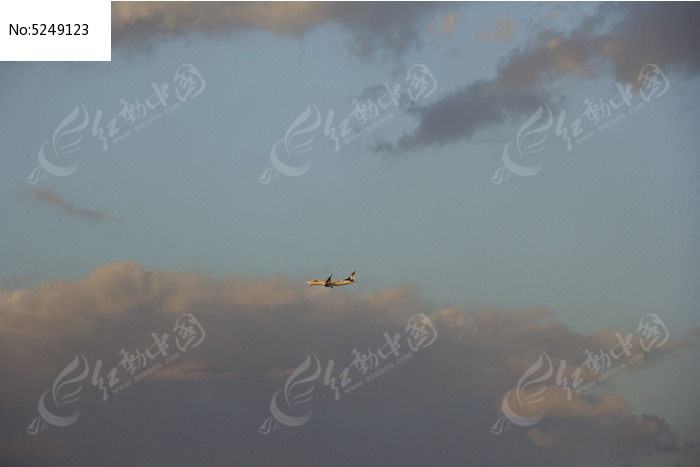 天空的飞机图片,高清大图