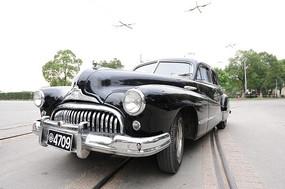 老式轿车特写图